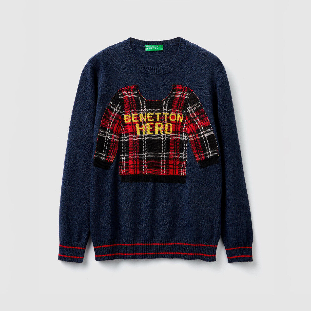 Sweater with patch and text