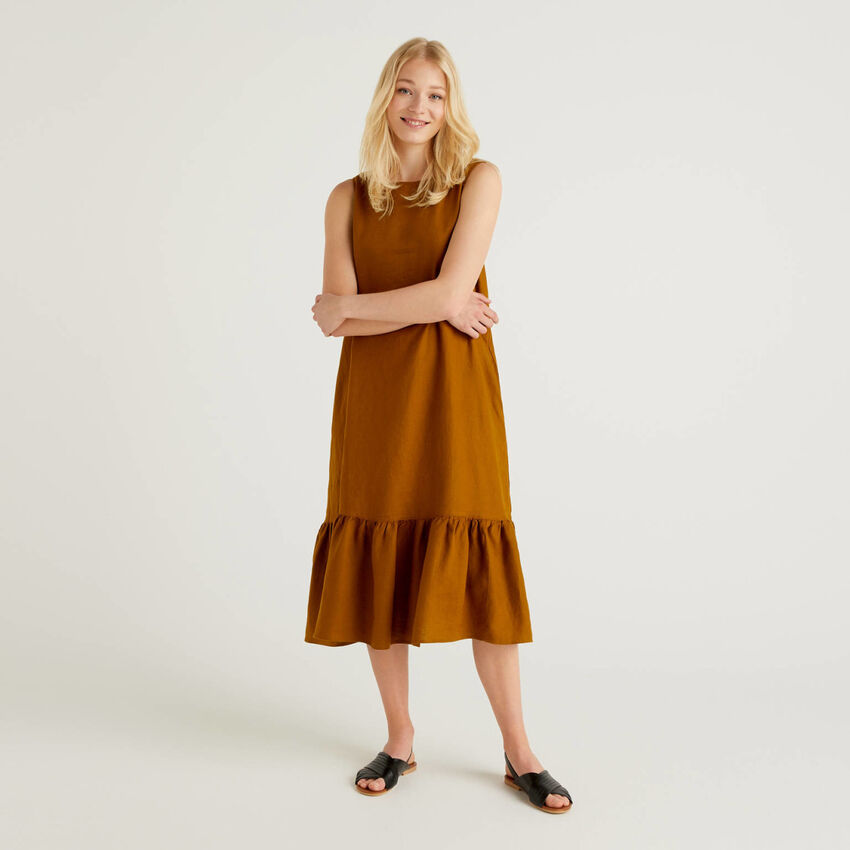 Midi dress in pure linen with frill