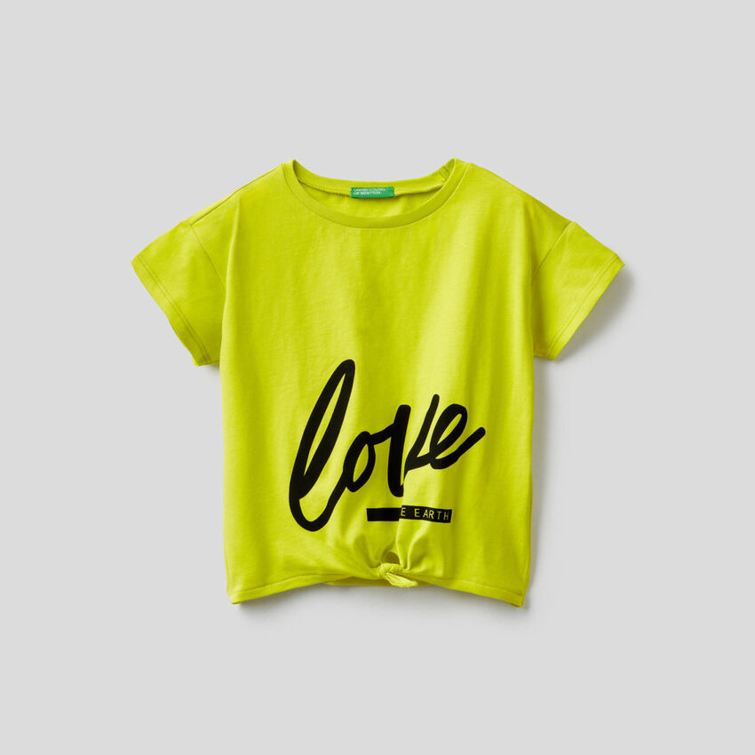 T-shirt with bow at the bottom