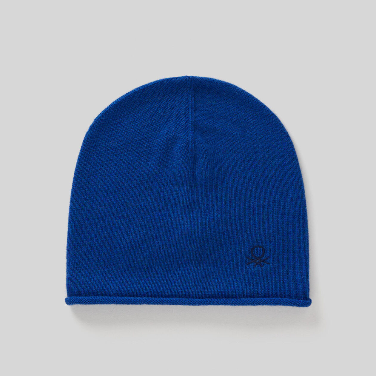 Hat in wool and cashmere
