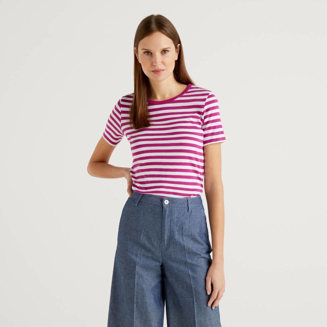Crew neck striped t-shirt