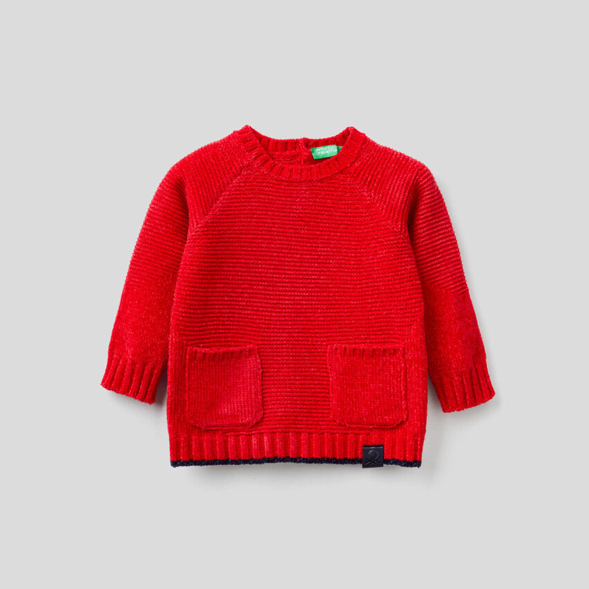 Sweater in chenille with pockets