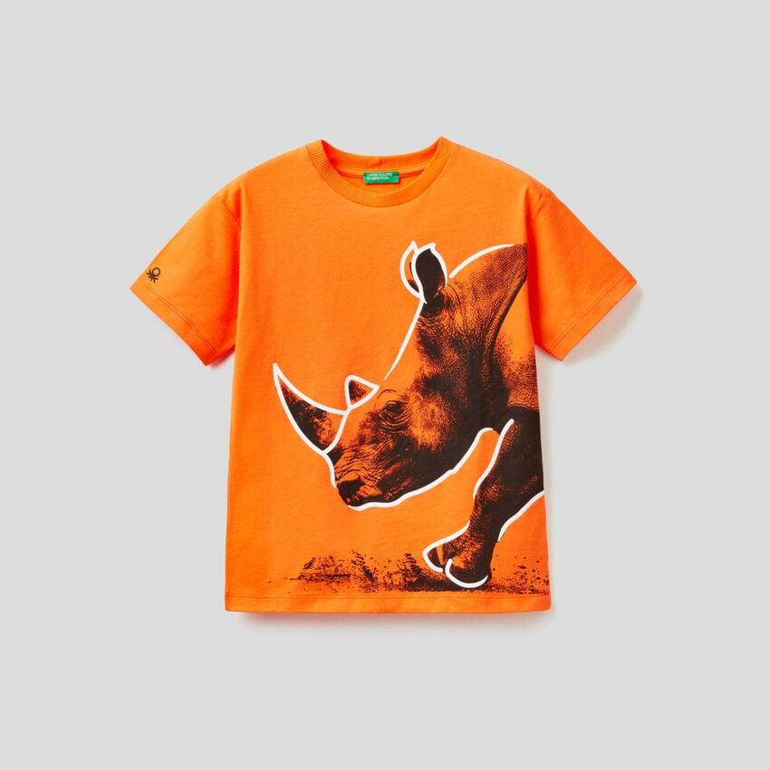 Orange t-shirt with rhino print