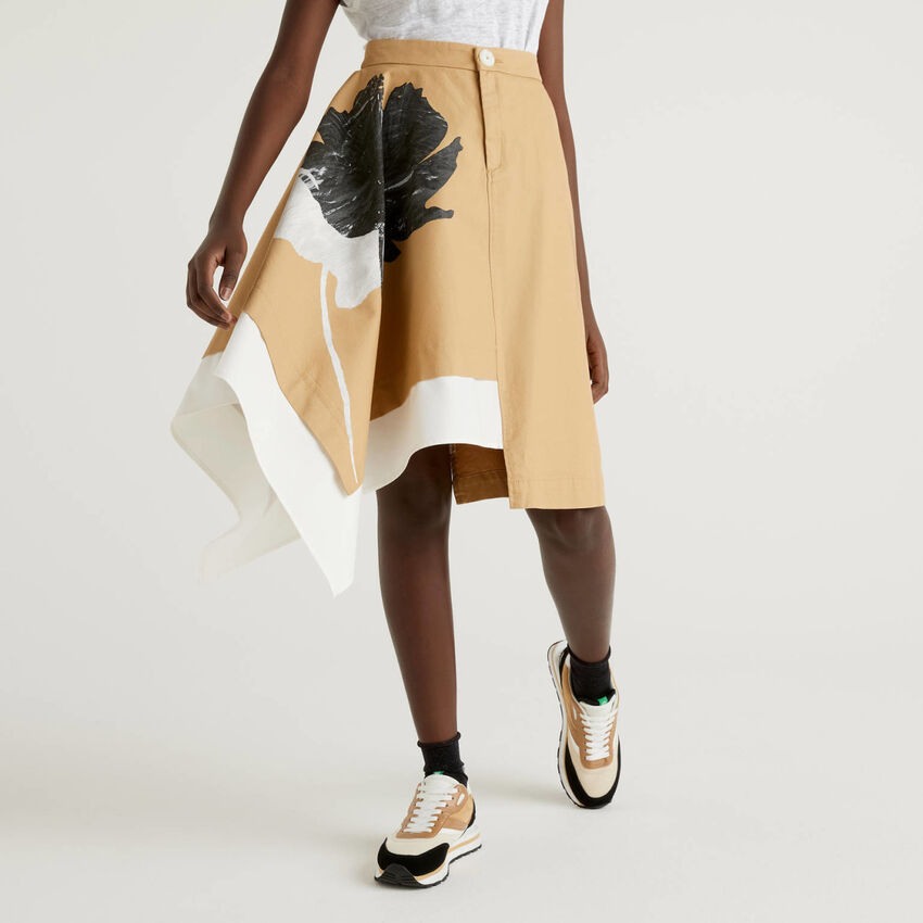 Asymmetrical skirt in pure cotton