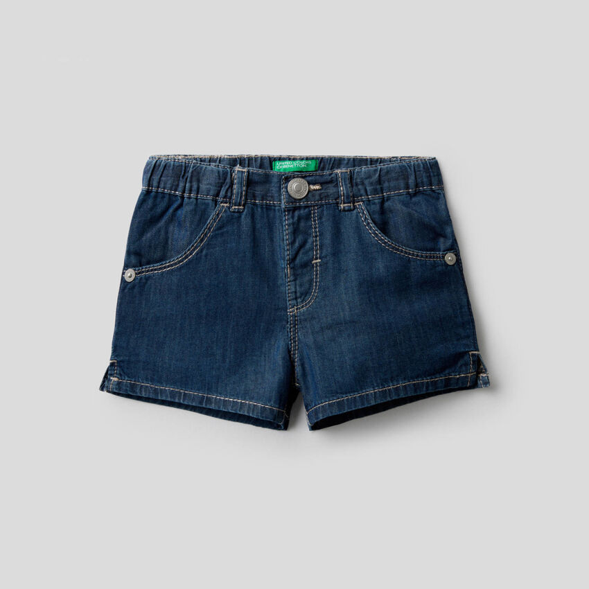 Shorts in chambray fabric