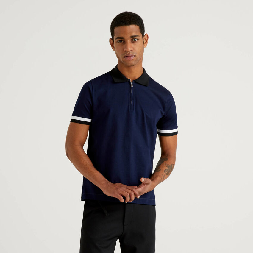 Polo with zip and clashing details