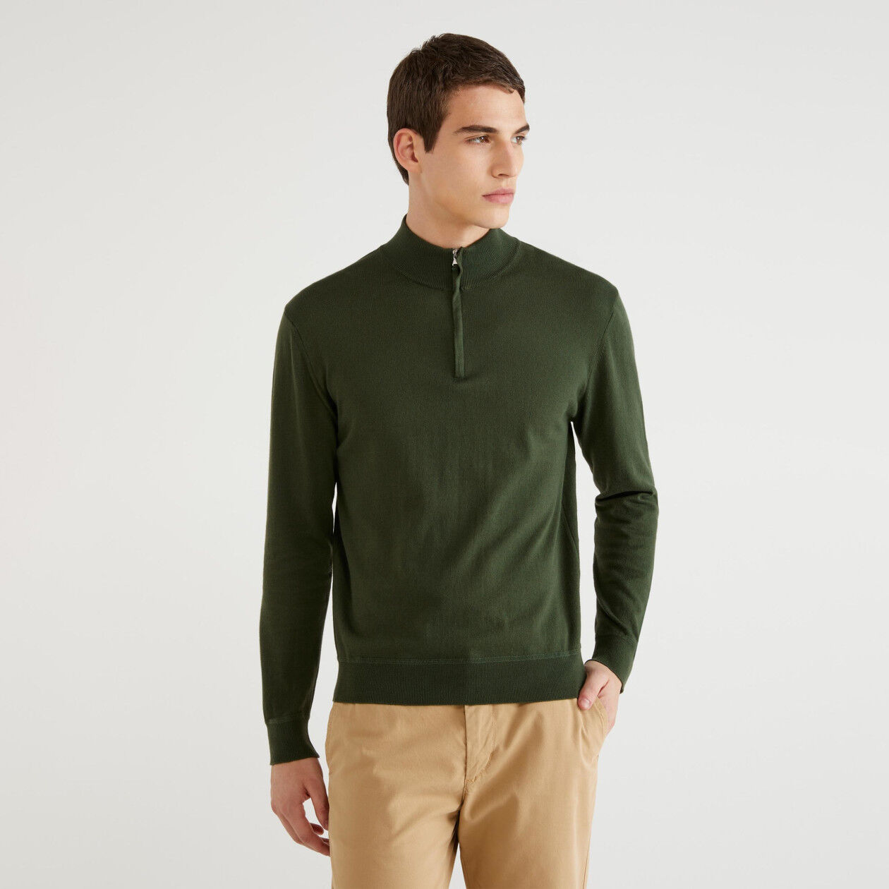 Turtleneck sweater with zipper