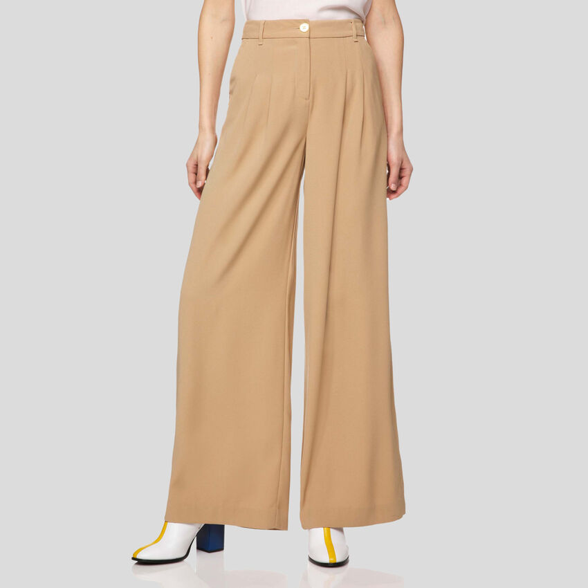Wide pants in crepe