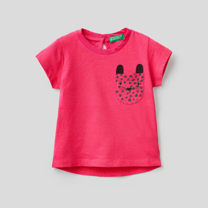 Cotton t-shirt with printed pocket