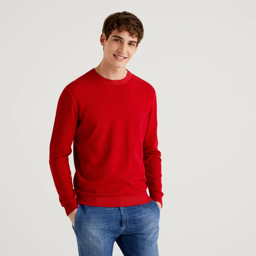 Crew neck sweater with V detail