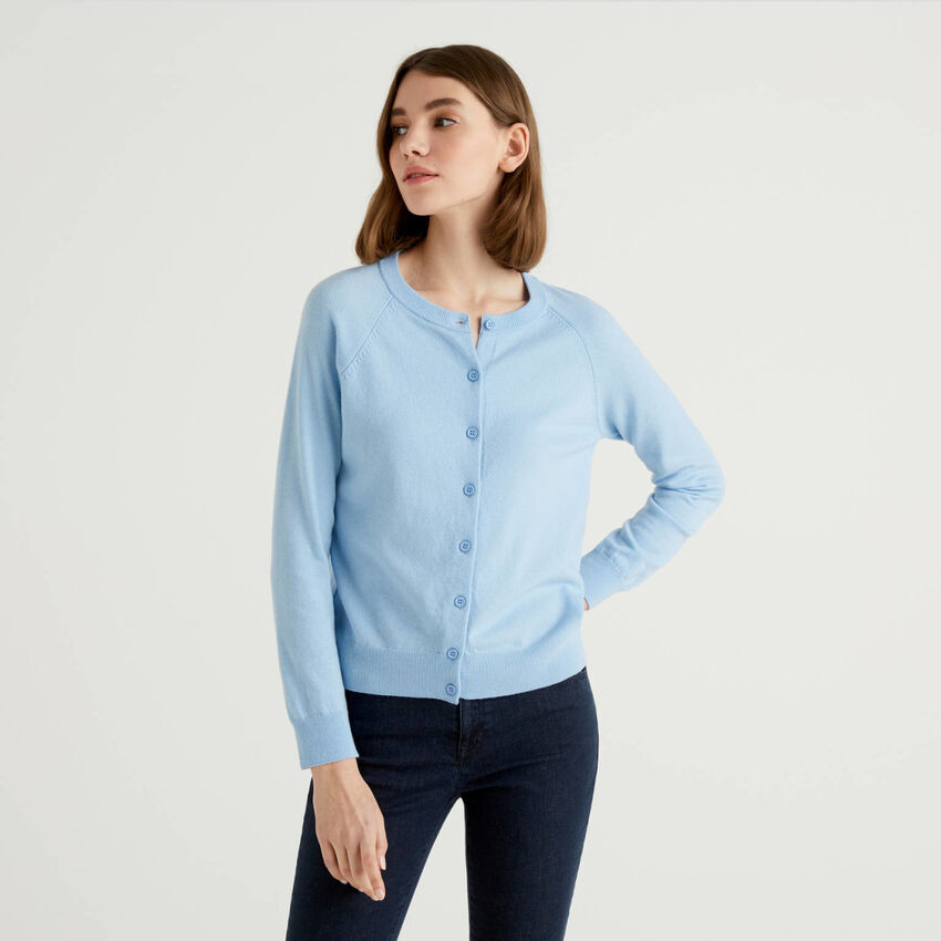Light blue crew neck cardigan in cashmere and wool blend