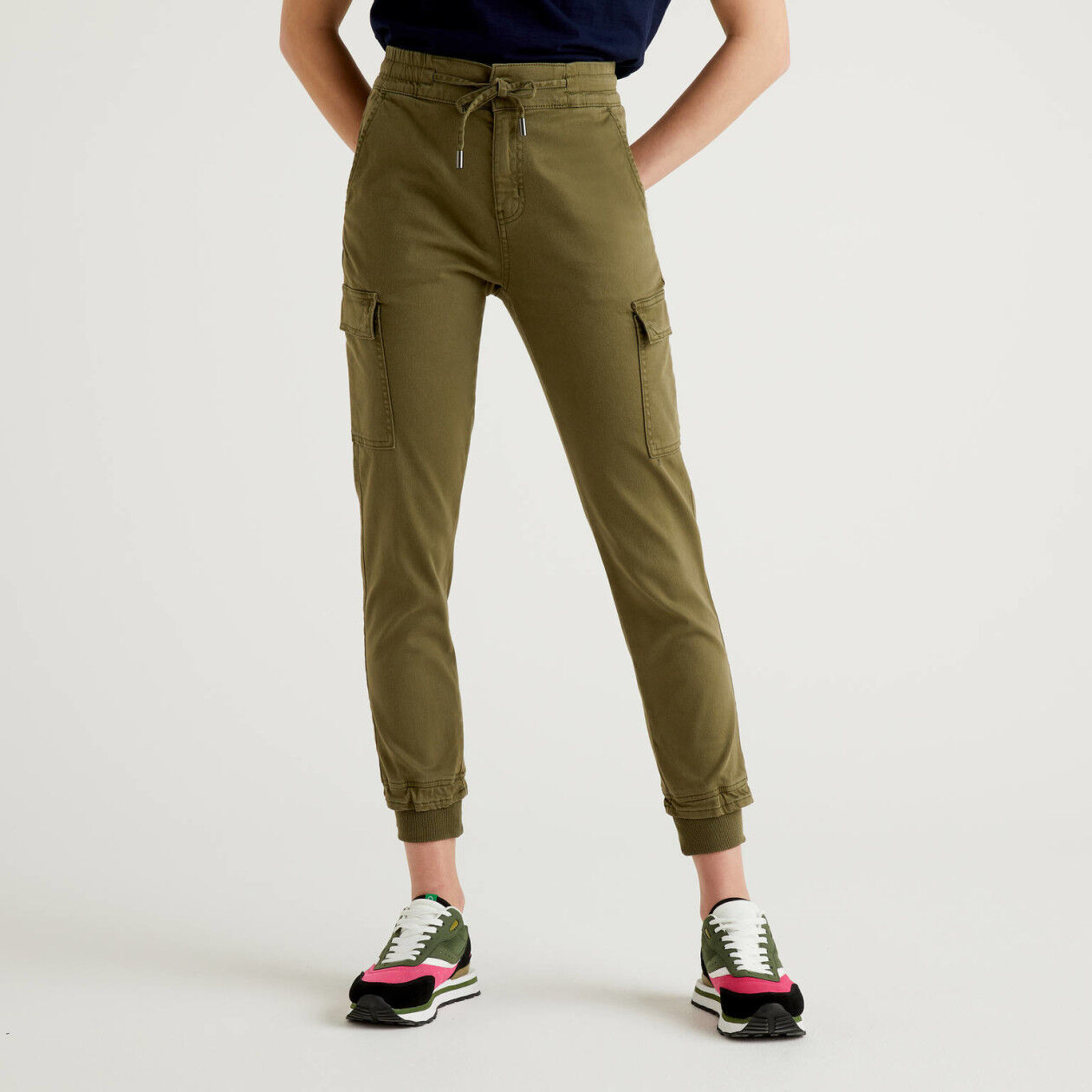 Slim fit cargos in stretch cotton