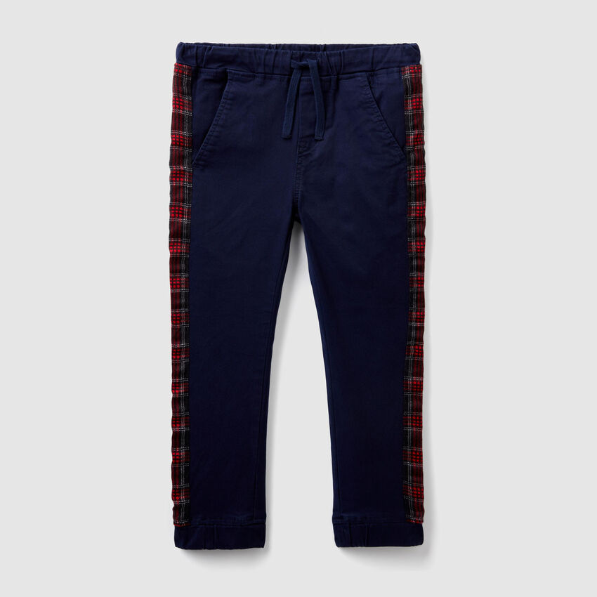 Trousers with patterned bands