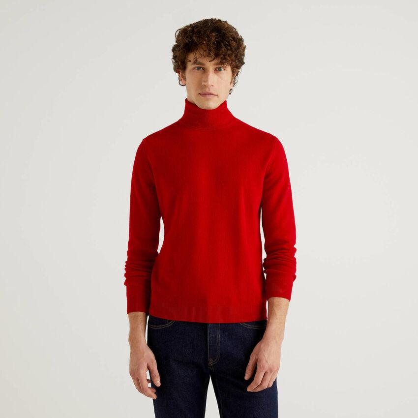 Red turtleneck in pure virgin wool