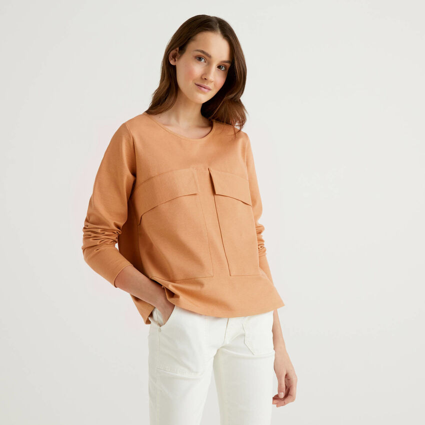 Boxy sweatshirt with maxi pockets