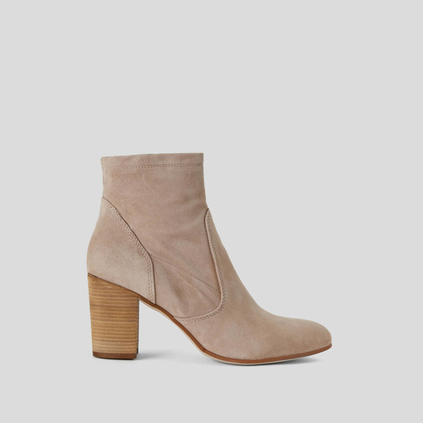 Ankle boots in genuine suede